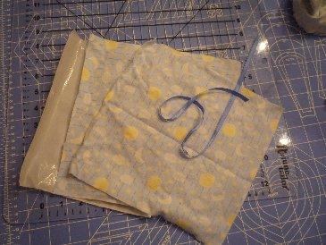 Crinkle Blanket 1.jpg