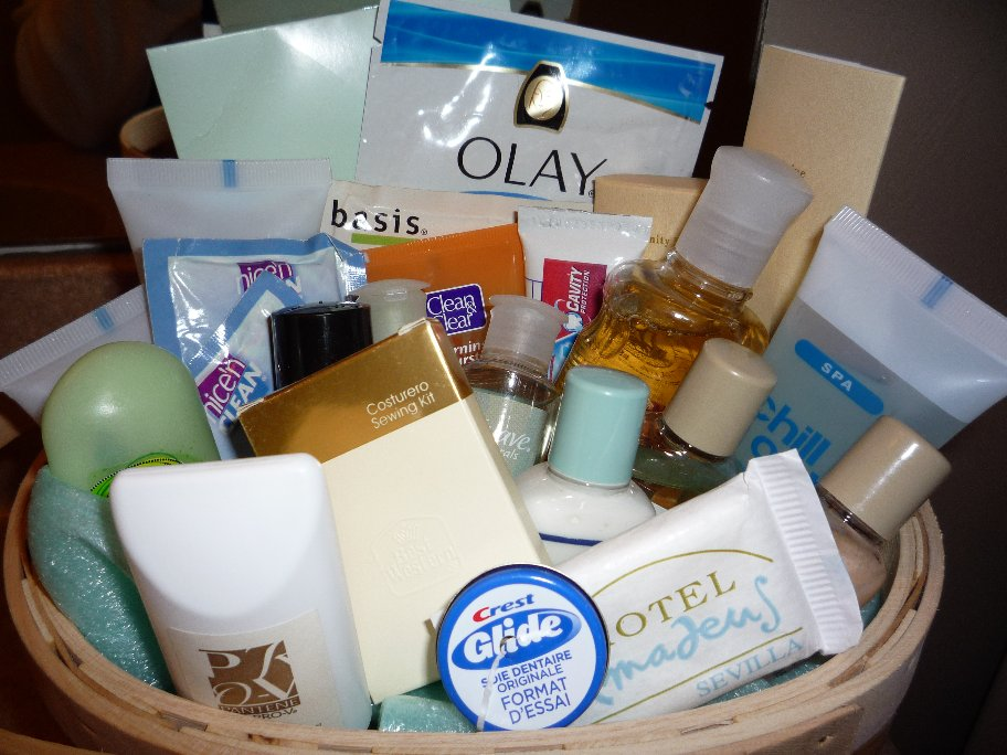 Amazing Guest Bathroom Toiletry Basket 912 x 684 · 117 kB · jpeg